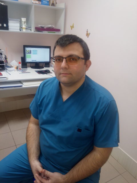 Левдин Виталий Ильгамович - Стоматолог-ортопед. Выполняет все виды протезирования, в т.ч. сложные.